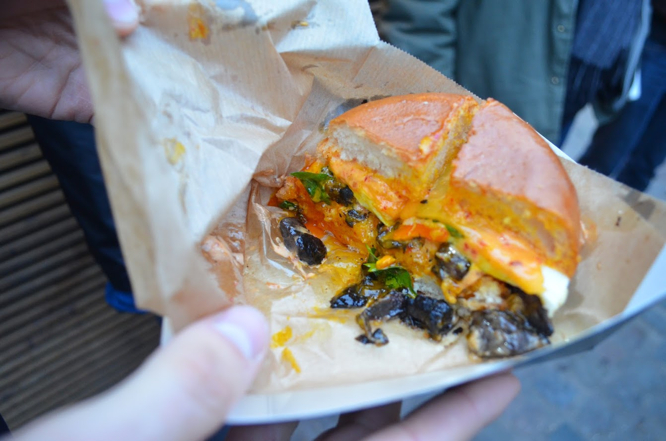 what to eat at camden food market london